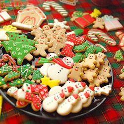 Bộ 4 chiếc khuôn dập in bánh quy noel loại lò xo- hàng đẹp
