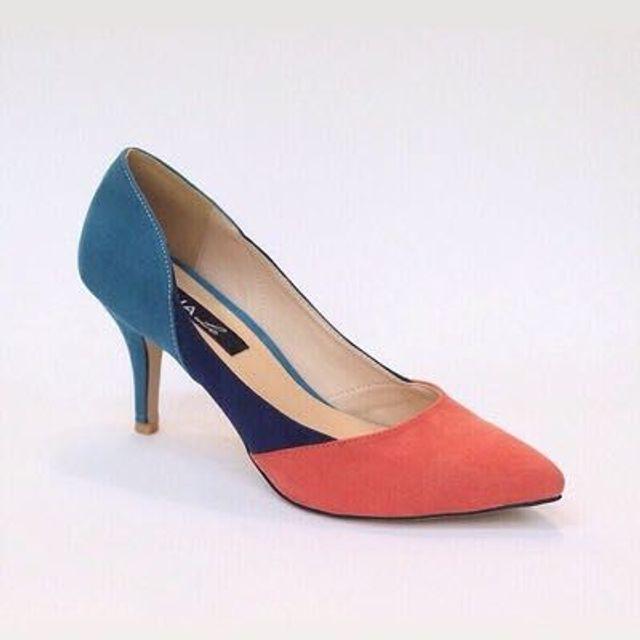 Giày cao gót phối màu-