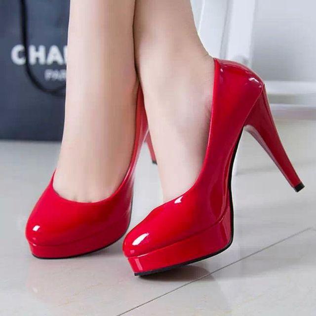 Giày cao gót bít chân thời thượng