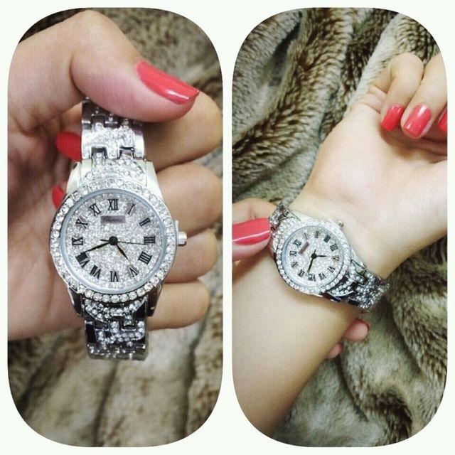 Đồng hồ nữ mặt đá