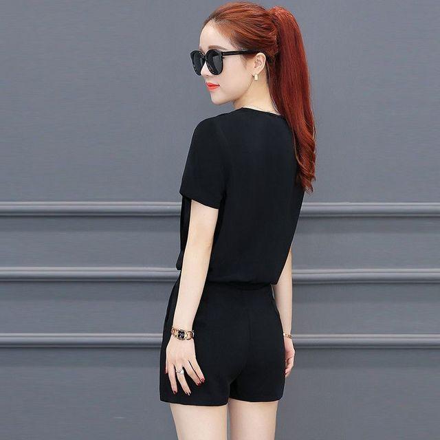 Set short màu da áo cổ tim quần giả váy cách điệu - giá sỉ, giá tốt
