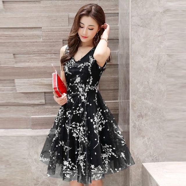 Đầm Xòe Ren Lưới Cổ V Hoa Đỏ Cao Cấp - giá sỉ, giá tốt