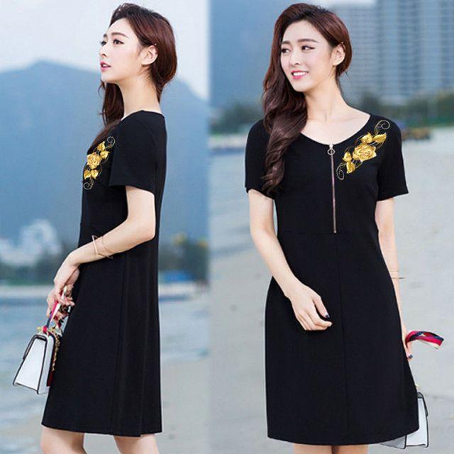 Đầm đen cao cấp thêu 3D hoa hồng ánh kim có size XXXL