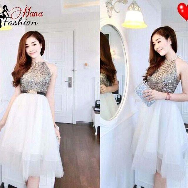 Đầm Xòe Kim Sa Cổ Yếm