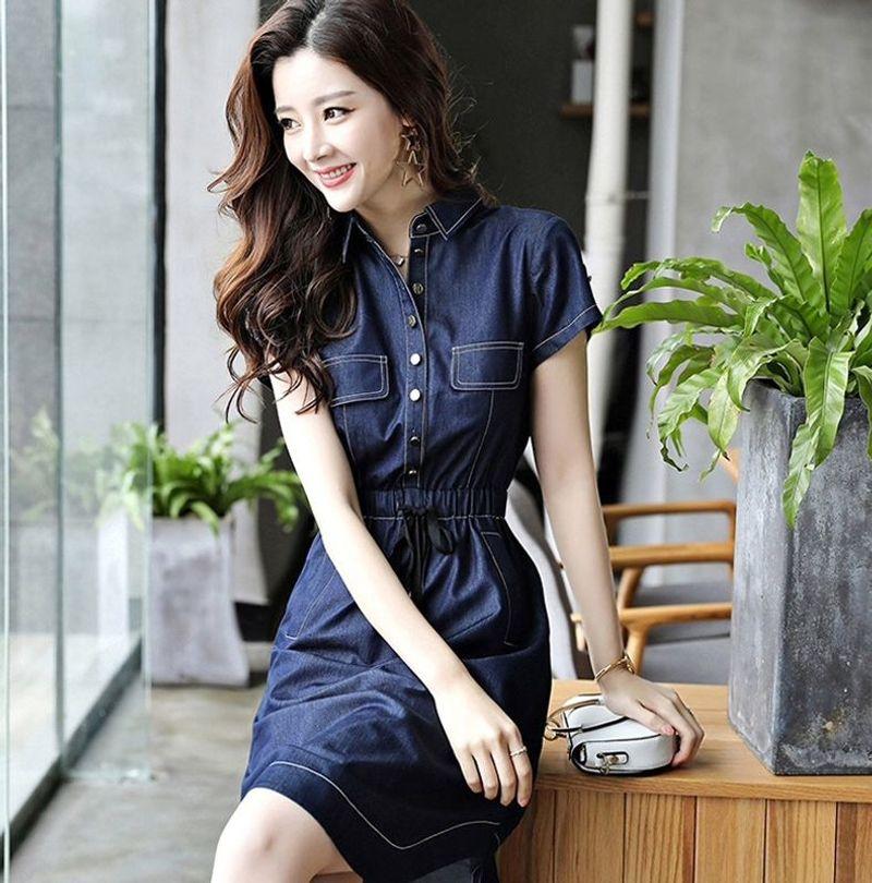 Đầm Jean Vạt Bầu Dây Rút Cổ Sơ Mi Phối Túi - giá sỉ, giá tốt
