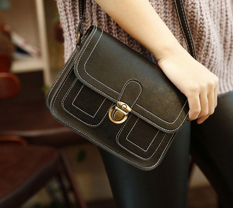 Túi đeo chéo đeo vai dáng bì thư khóa gài TX17 giá sỉ, giá bán buôn