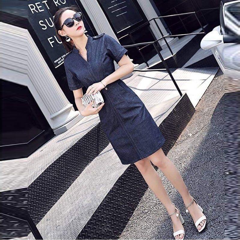 Đầm Jean Cổ Trụ V Thắt Lưng Gài Nút Thanh Lịch giá sỉ, giá bán buôn