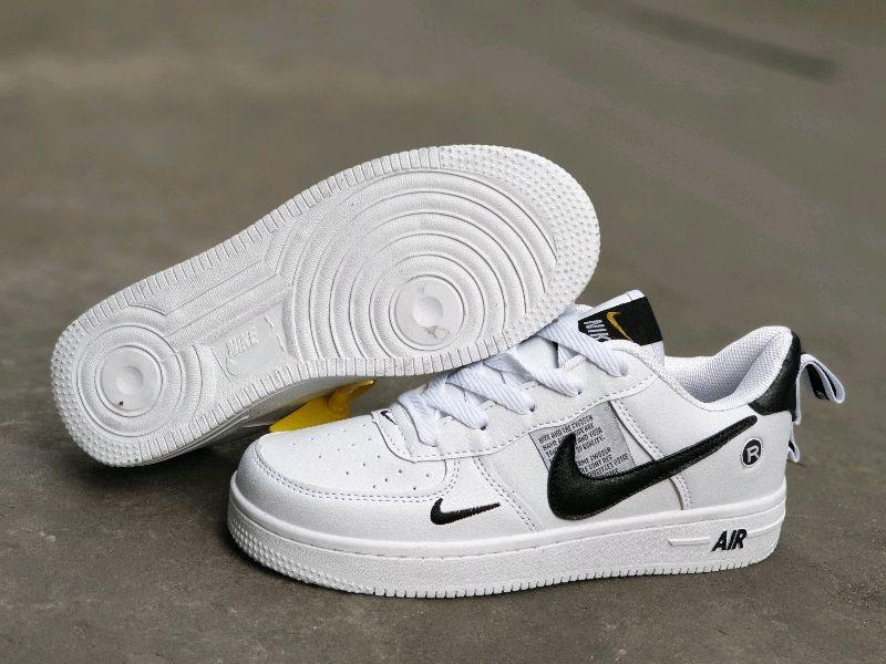 giày thể thao trắng giá sỉ, giá bán buôn