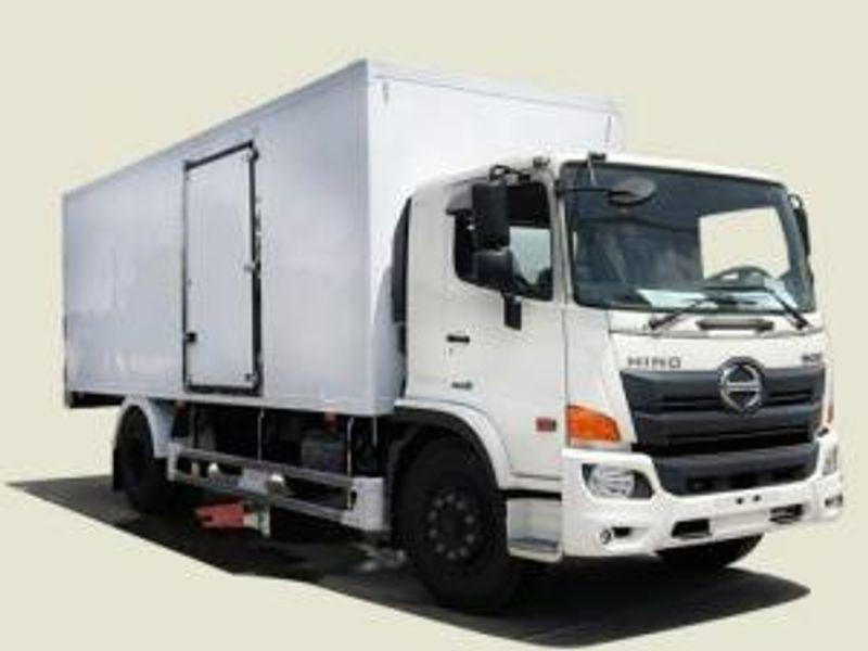 Xe tải Hino 8T3 thùng bảo ôn - FG8JPSB thùng 6m9 trả góp 370tr giá sỉ, giá bán buôn
