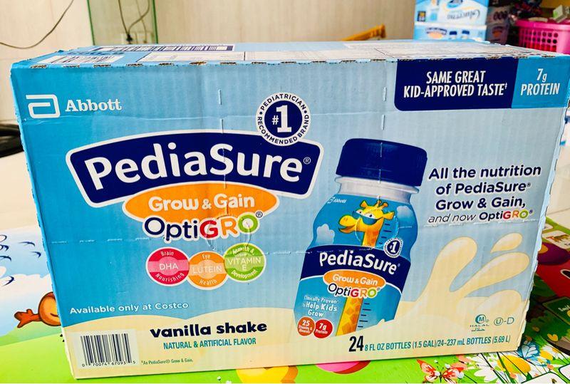 Thùng 24 chai sữa nước Pediasure Vanilla Shake Mỹ 237ml cho bé từ 1-10 tuổi giá sỉ, giá bán buôn