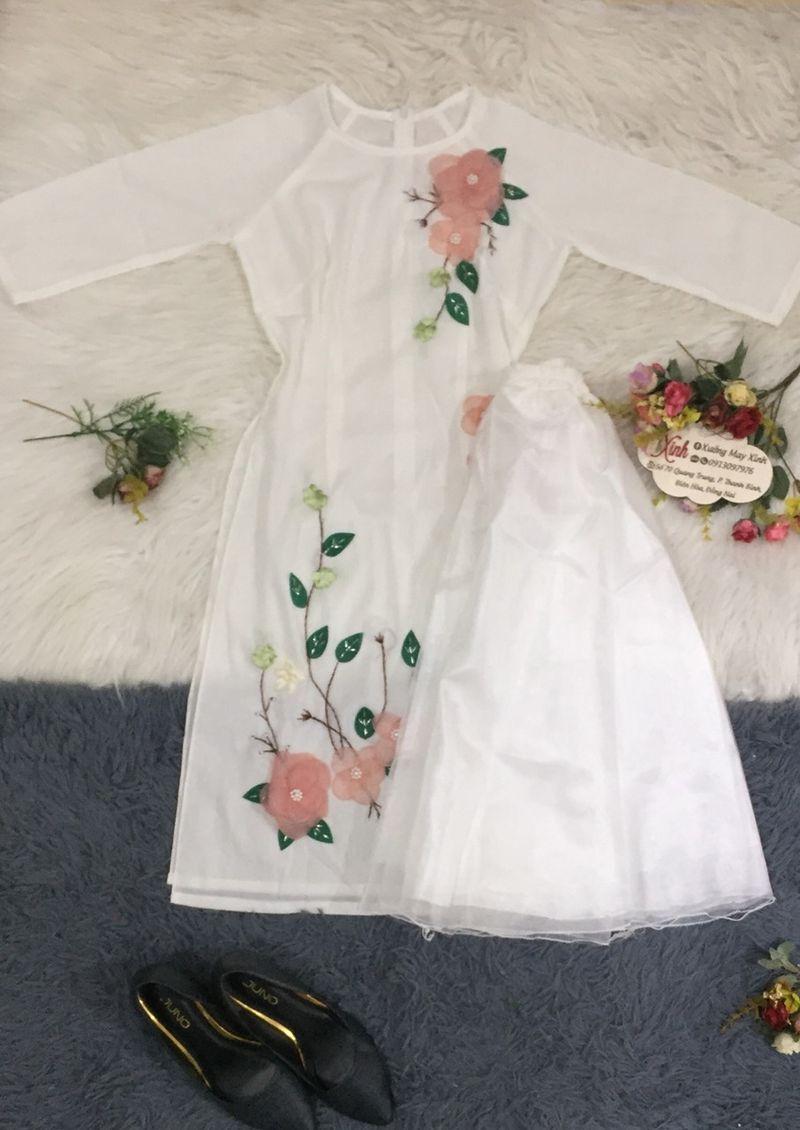 áo dài lụa Nhật trắng đính hoa giá sỉ, giá bán buôn