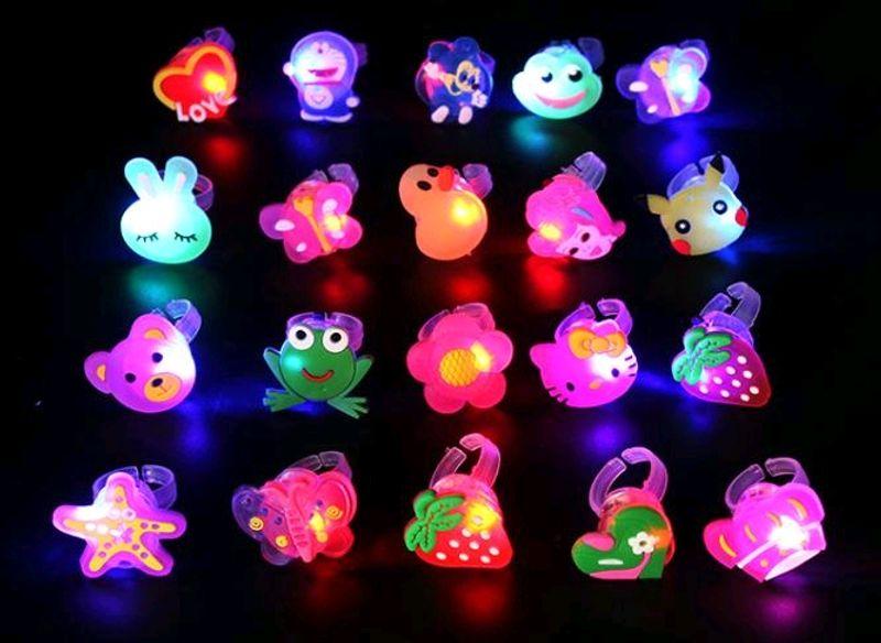 nhẫn đủ mẫu có đèn có pin cho trẻ em đẹp giá sỉ