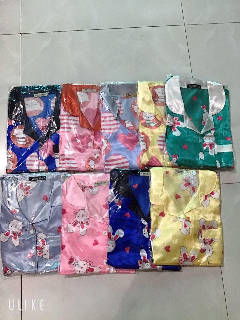 đồ bộ phi lụa sa tin quần dài ,tay ngắn nhiều bông giá sỉ, giá bán buôn