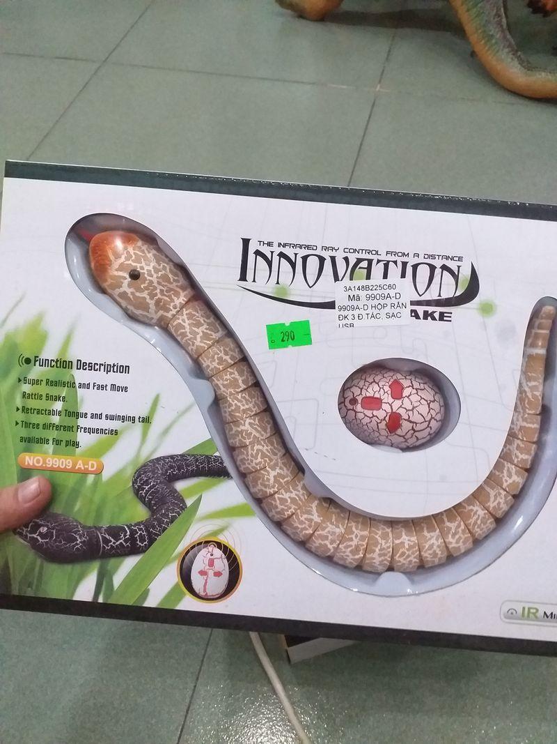 Hộp đồ chơi rắn điều khiển giá sỉ