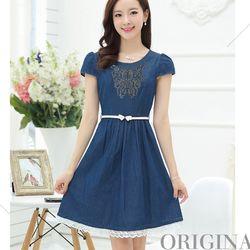 Đầm jean xòe có size xl: thêu nổi họa tiết bướm xanh phối chân váy ren sale 140.000đ