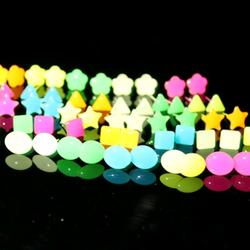 Bông tai dạ quang phát sáng trong đêm giá sỉ 8k/đôi - 1 triệu 200 đôi
