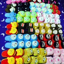 Dép bông hình doremon,kitty,pucca dễ thương, dép đi trong nhà hình thú 55k/đôi giá sỉ