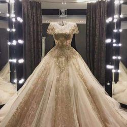 Váy cưới búp bê dài tay