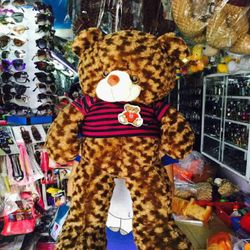 Zalo .gấu teddy size gần cở mét giá sỉ 270k