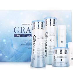 Sữa dưỡng dưỡng ẩm dùng cho da dầu da mụn da nhạy cảm da tổn thương Graisset anti trouble moisture Emulsion