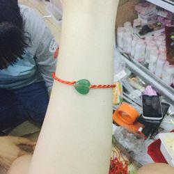 dây đỏ đeo tay- giá sỉ 3k gồm dây và mặt dây có 100 kiể giá sỉ