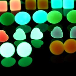 bông tai dạ quang phát sáng trong đêm tối giá sỉ 8k/đôi 150k/20đôi