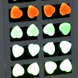 bông tai dạ quang phát sáng trong đêm tối giá sỉ 8k/đôi giá sỉ