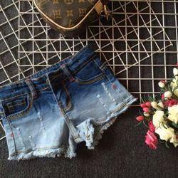 bộ đôi sọt jean bé gái và quần lửng bé trai siêu cá tính chất jean co giãn tốt cotton 100 size 1-8 kèm nịt da cộng 10k hàng có sẵn giá sỉ