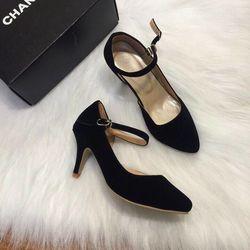 Nhận đóng giày dép nam nữ theo yêu cầumẫu mã có thể theo catolo hoặc theo mẫu của khách