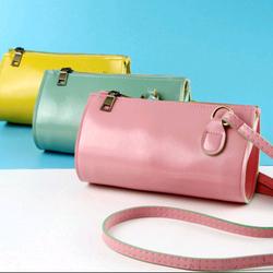 Túi da đeo chéo - giá sỉ 69k/cái - xem thêm sp ở zalo nhe. website bansisaigon.com giá sỉ