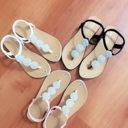 Giày sandal kẹp ngọc trai giá sỉ