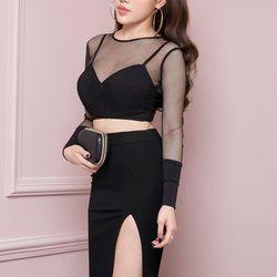 Bộ áo croptop pha lưới tay dài và chân váy bút chì đen xẻ tà hnm702