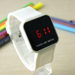 Đồng hồ led cảm ứng giá sỉ