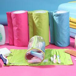 Túi đựng mỹ phẩm và bàn chải