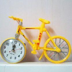 Đồng hồ để bàn hình xe đạp