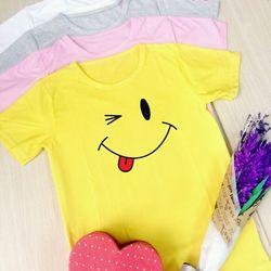 Áo thun in hình mặt cười dành cho phái nữ