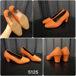 Giày gót trụ mới