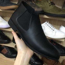 Giày chelsea boot màu đen thời trang