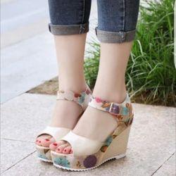 - giày sandal đế xuồng quai hoa giá sỉ