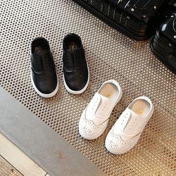 Giày da họa tiết giá sỉ