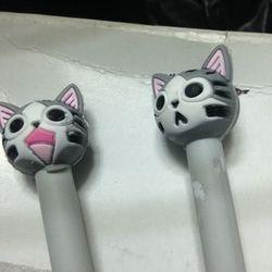 Bút bi hình mèo xám