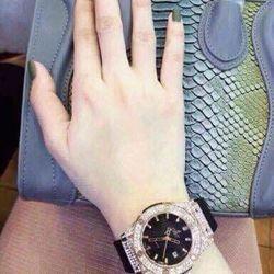 Đồng hồ nữ hub- mặt full đá giá sỉ