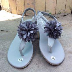 Sandal nữ xỏ bông hot