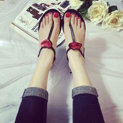Về sandal môi tim giá sỉ