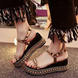 Hàng nhập loại i-giày sandal đế xuồng đinh tán
