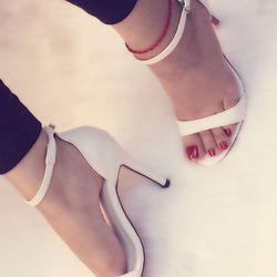 Sandal cao gót trắng sang chảnh
