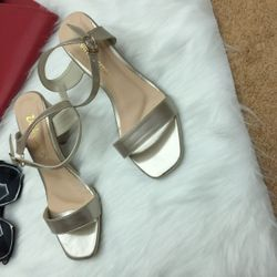 Sandal đế vuông rẻ đẹp