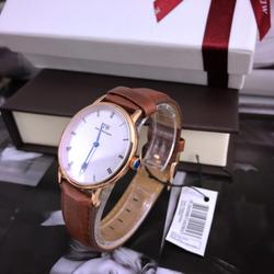 Đồng hồ ddww full box giá sỉ, giá bán buôn