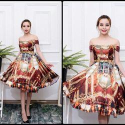 - Đầm xòe bẹt vai hoa