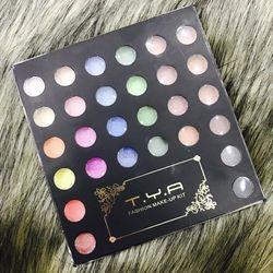 Bộ kit trang điểm TYA 5036 với 41 tone màu trang điểm gồm màu mắtson môiphấn phủmá hồng cọ trang điểm